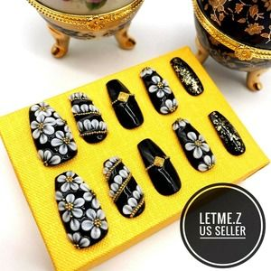 Press on Nails Glue On Long Coffin 3D Black Gold